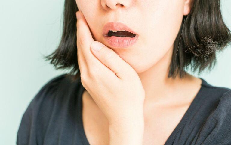 Tại sao bọc răng sứ lại bị cộm? Nha khoa Thùy Anh