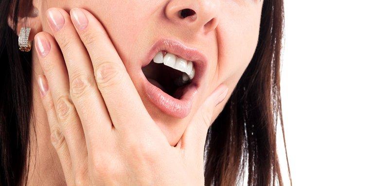 Bọc răng sứ bị đau nhức: Nguyên nhân và cách khắc phục – nha khoa Thùy Anh